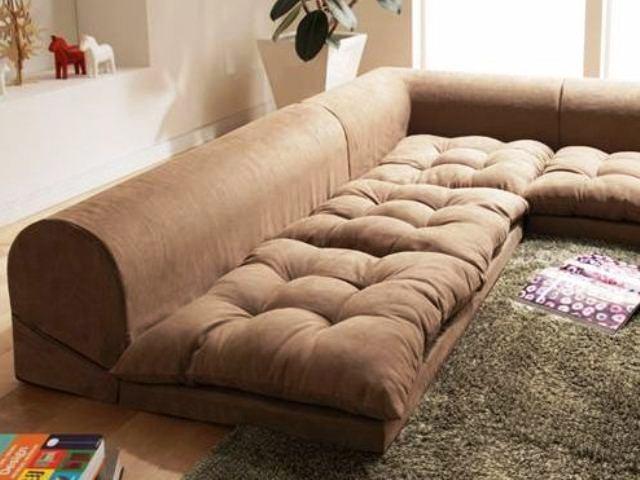 Фото: низкий диван