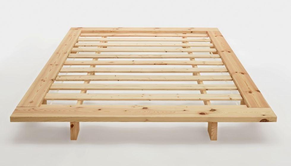 Конструкция японской кровати на ножках: европейский вариант